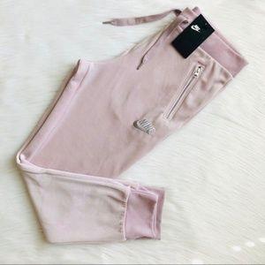 NWT Nike velour pink sweatpants/joggers - MEDIUM